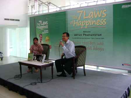 Diskusi Buku 'The 7 Laws of Happiness'