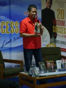 Talkshow bersama Andrie Wongso